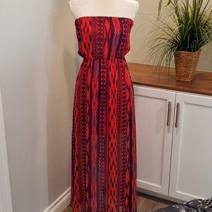 Charlotte Russe Sleeveless Maxi Dress, Size Medium